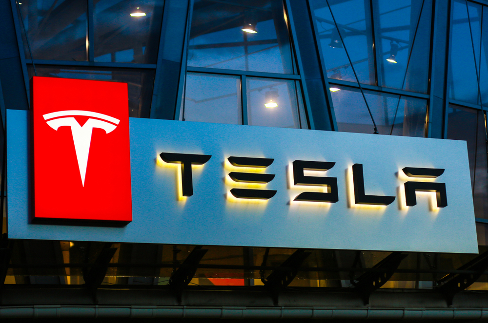 Customer Service Lessons Learned from Tesla - HR Daily Advisor